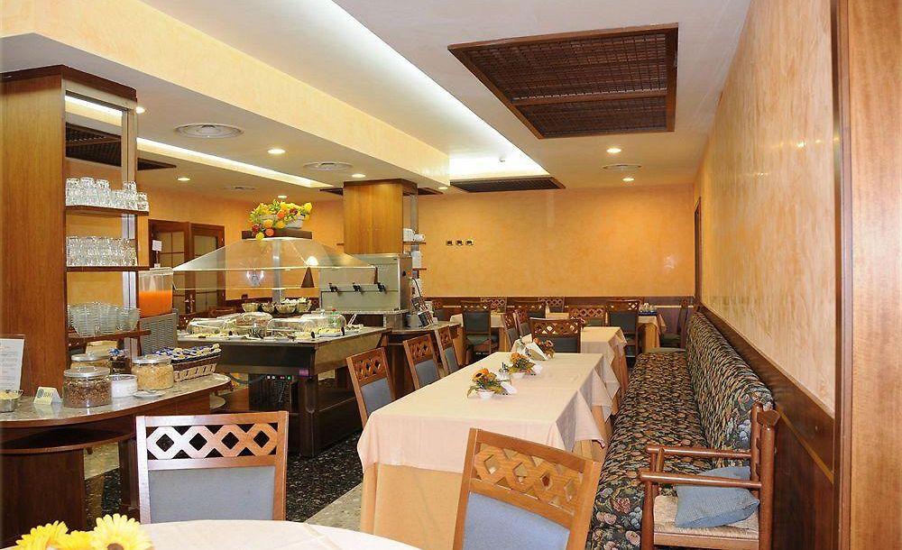Sala Fumatori Ciampino : Hotel meeting ciampino prenotazione on line viamichelin